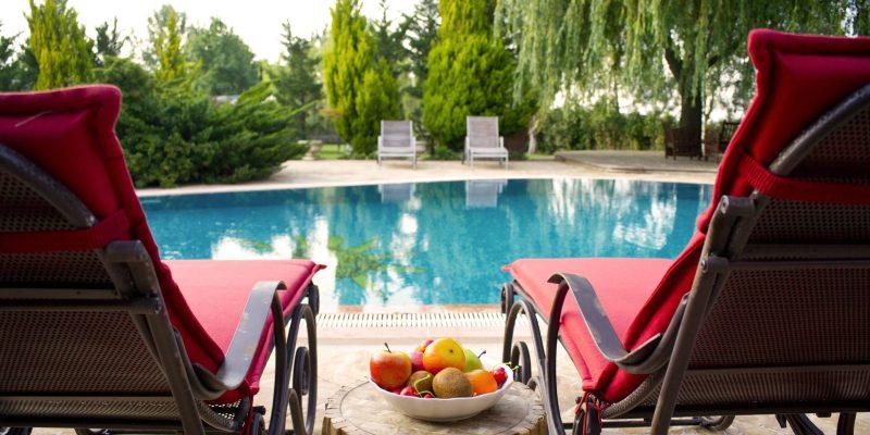 Notre liste d'accessoires indispensables pour la piscine !