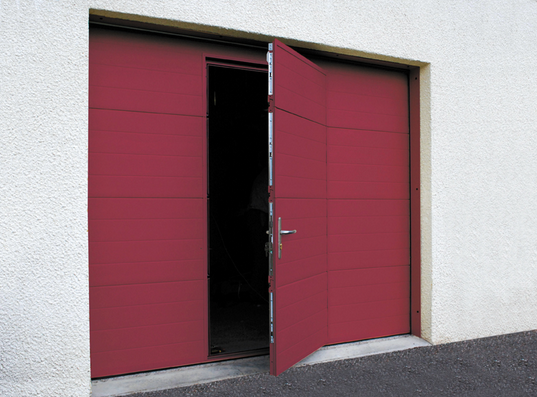 Opter pour une porte de garage design ext rieur for Porte de garage sectionnelle harmonic avec portillon