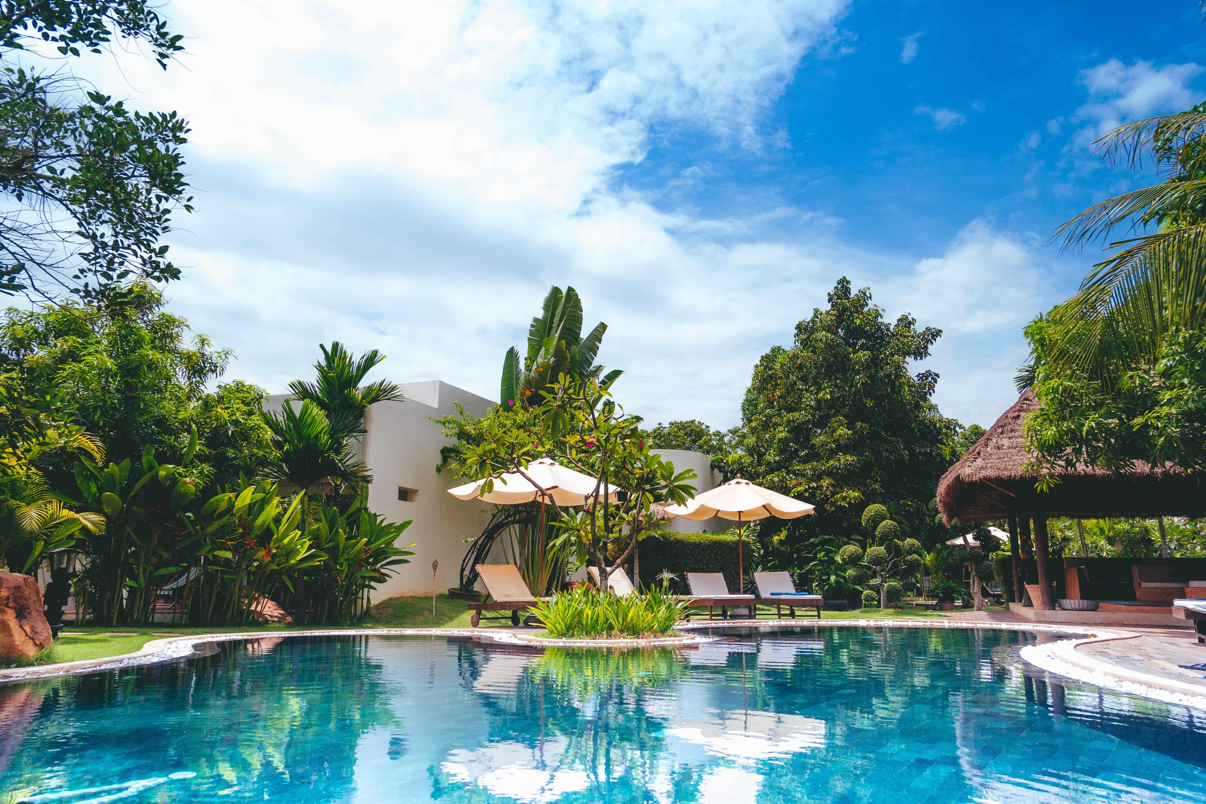 Une jolie piscine sous les tropiques