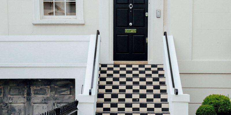 Comment choisir une porte d'entrée moderne ?