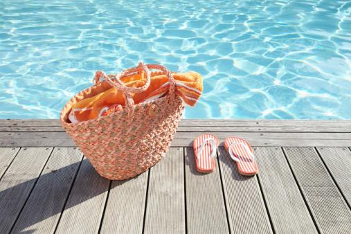 Du robot à la pompe de piscine, les accessoires indispensables pour votre piscine